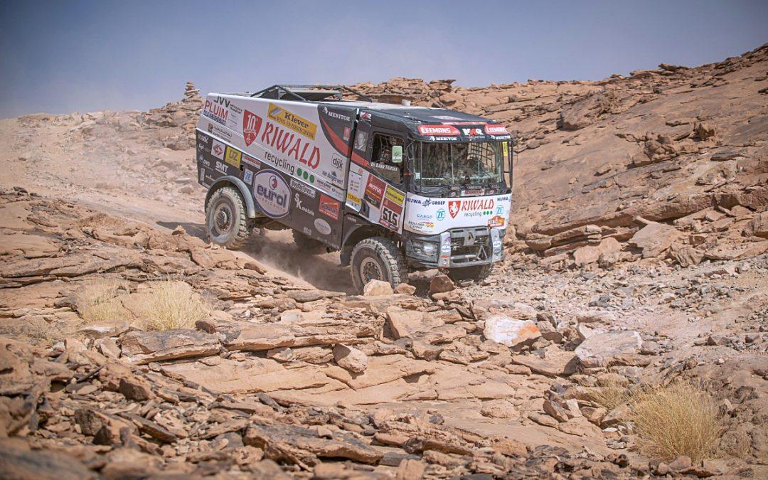 Oba židovické kamiony ve 3. etapě dojely těsně za desítkou