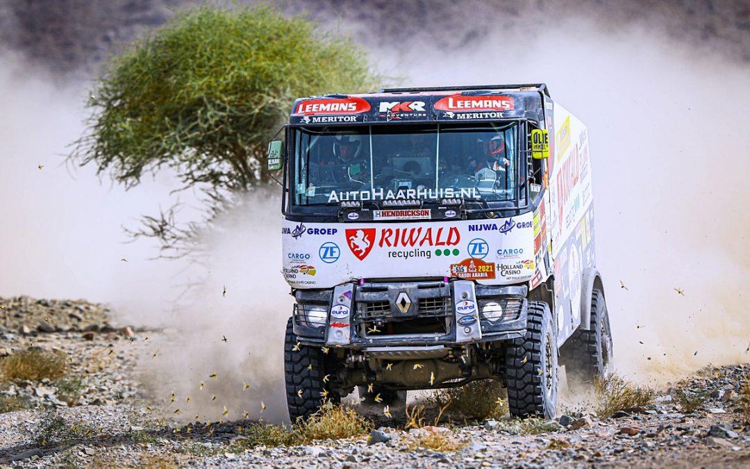 Dakarské posádky míří do poslední etapy