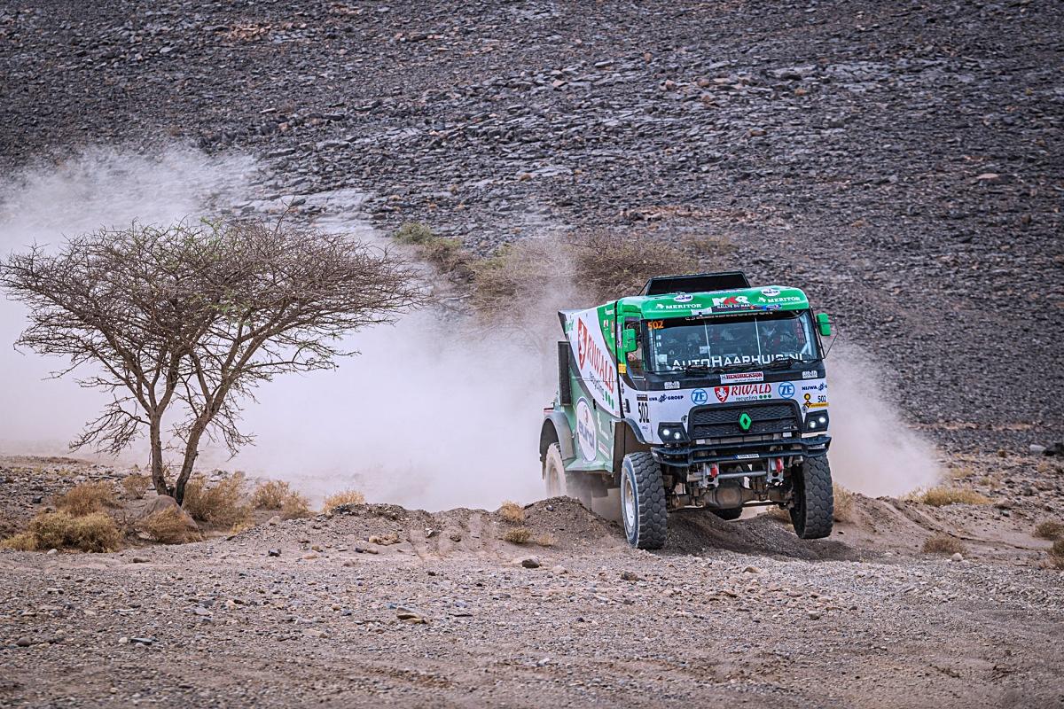 Kamion z dílny MKR Technology s Gertem Huzinkem při 3. etapě Rallye Maroko. Foto: Rallymaniacs